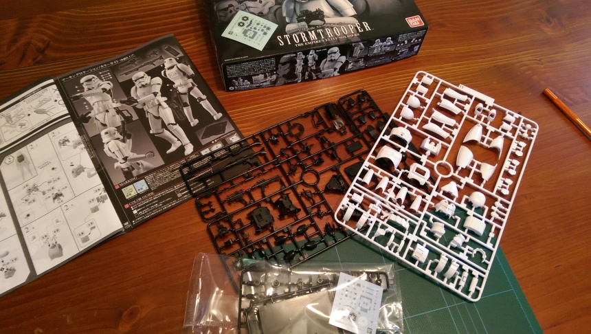 All the sprues out of the box, ready for me to start. I don't know how many parts there are, but it looks a lot.